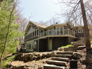 35 woodsview trail, Seguin Ontario, Canada Located on Lake Rosseau