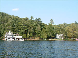 4047 highway 141, Rosseau Ontario, Canada Located on Lake Rosseau