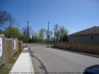 8 canterbury ci, Orillia Ontario, Canada