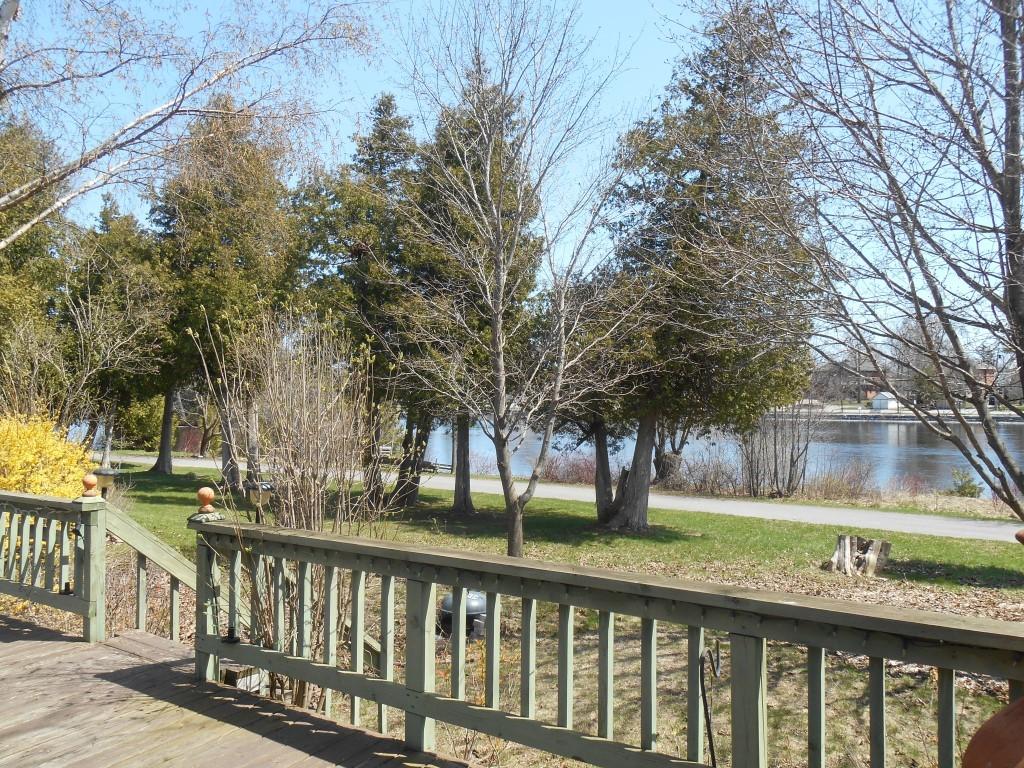 15 hague blvd, Lakefield Ontario, Canada