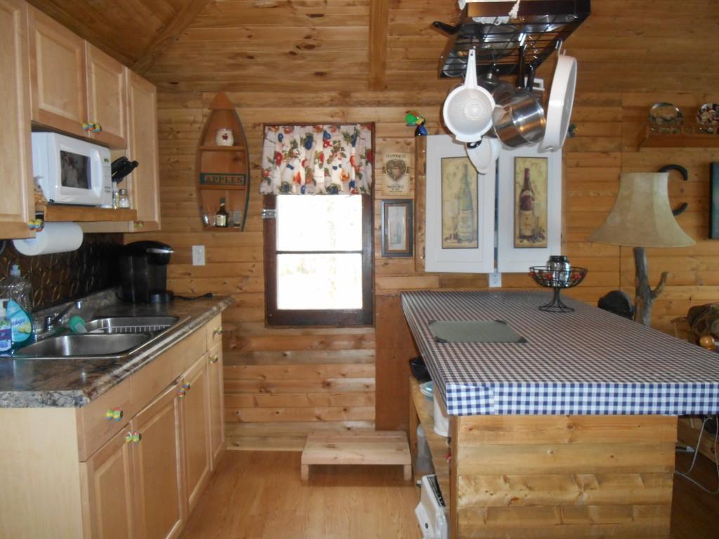 2942 lovesick lake, Selwyn Ontario, Canada