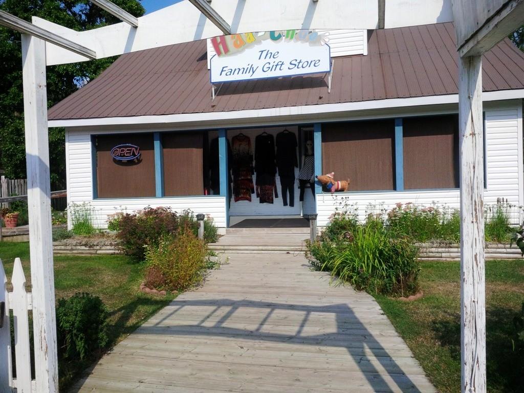 189 BURLEIGH ST, North Kawartha Ontario, Canada