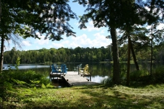 42 WERDEN LANE, Wollaston Ontario, Canada Located on Snow Lake