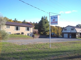 14 MCFADDEN RD, North Kawartha Ontario, Canada Located on Eels Creek
