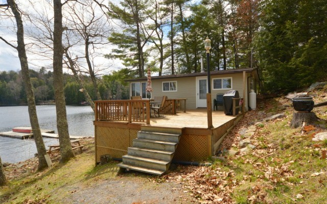 355 FIRE ROUTE 247, North Kawartha Ontario, Canada Located on Anstruther Lake