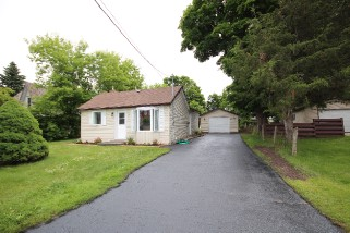 13 Maple St, Quinte West - Trenton Ontario