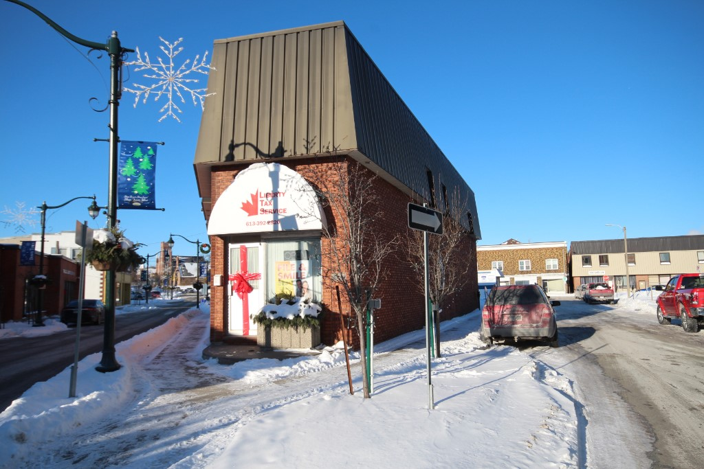 2 king st, Quinte West Ontario, Canada