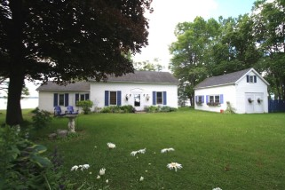7898 LOYALIST PKWY, Napanee Ontario