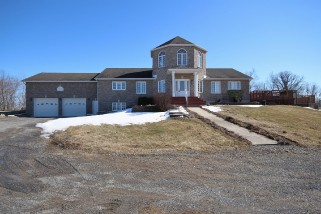 2443 Isle Of Man Rd, Kingston Ontario