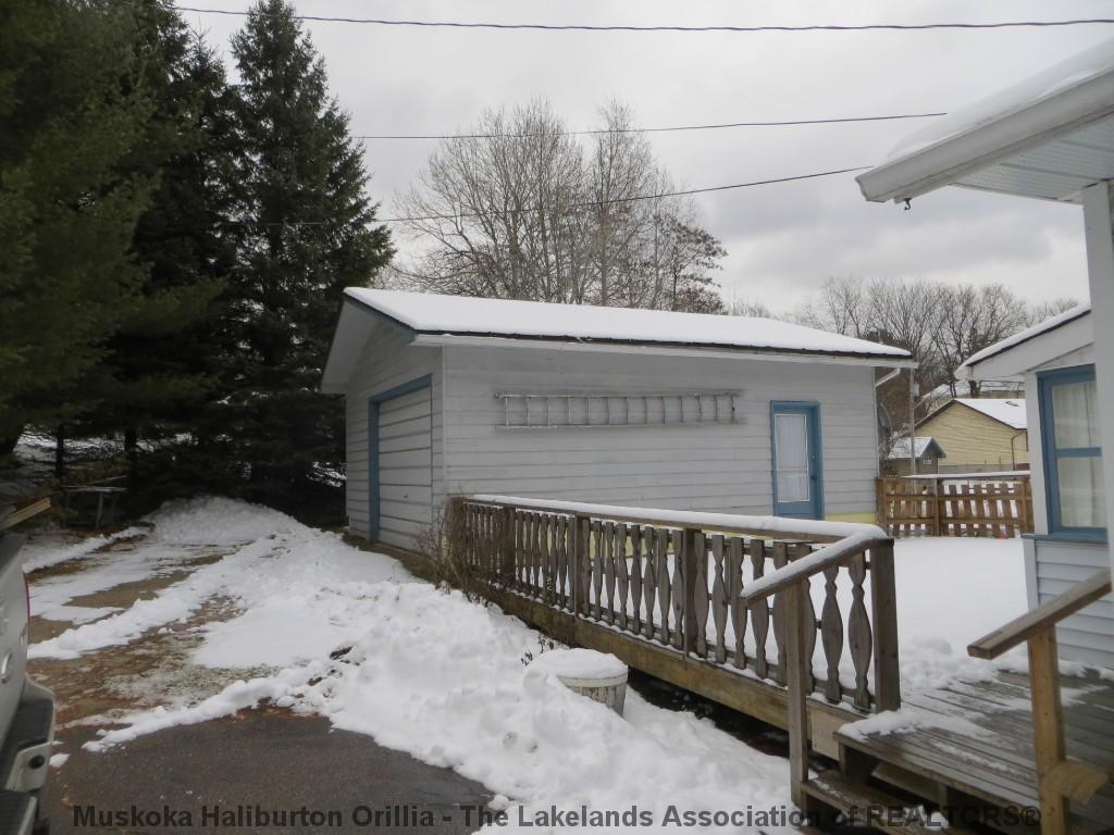 46 GEORGE ST, Haliburton Ontario, Canada