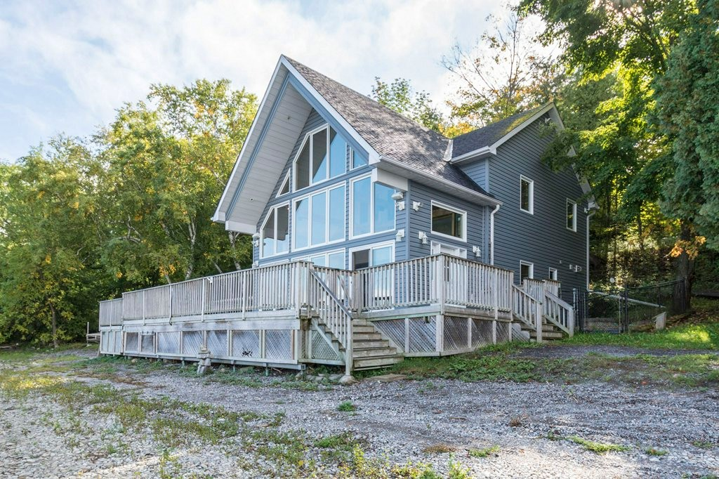 5012 county road 1 other, Prince Edward County Ontario, Canada