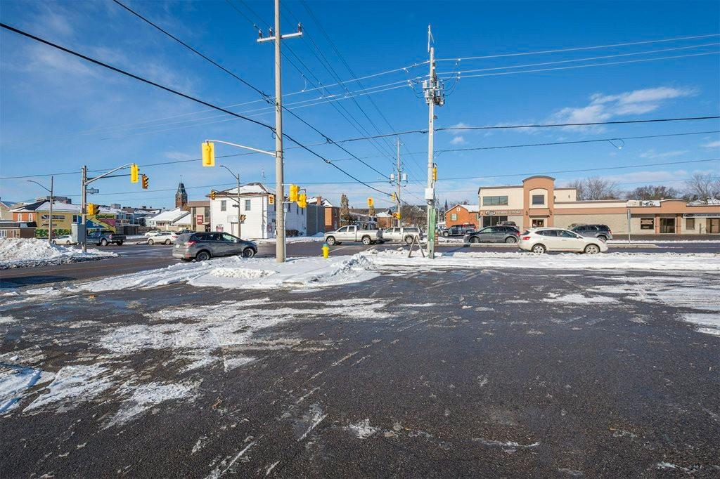 65 dundas st east, Belleville Ontario, Canada