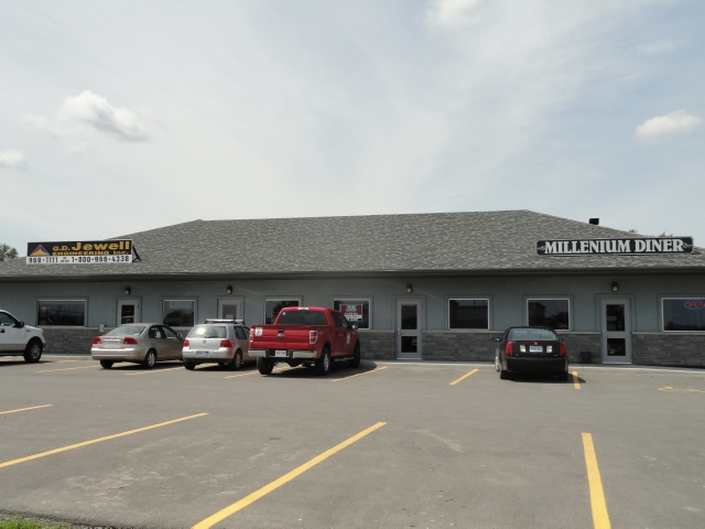 71 millennium pkwy  3, Thurlow Ontario, Canada
