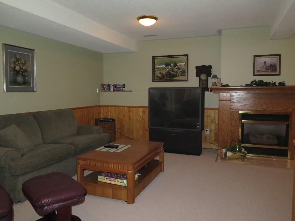 4071 pine cres, Petrolia Ontario, Canada