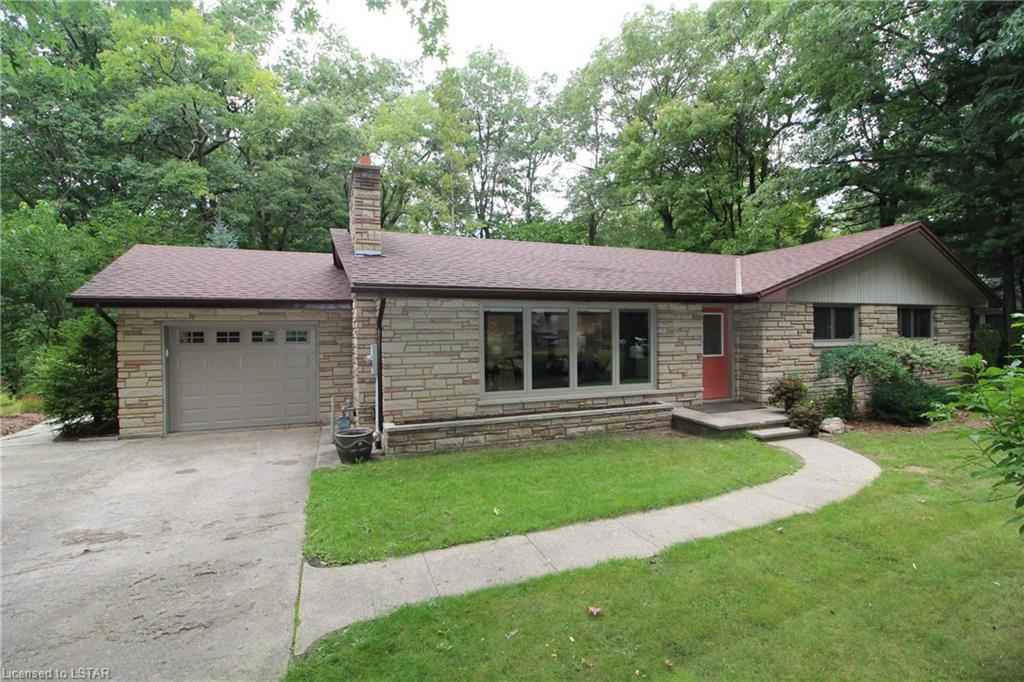 10368 pines parkway, Grand Bend Ontario, Canada