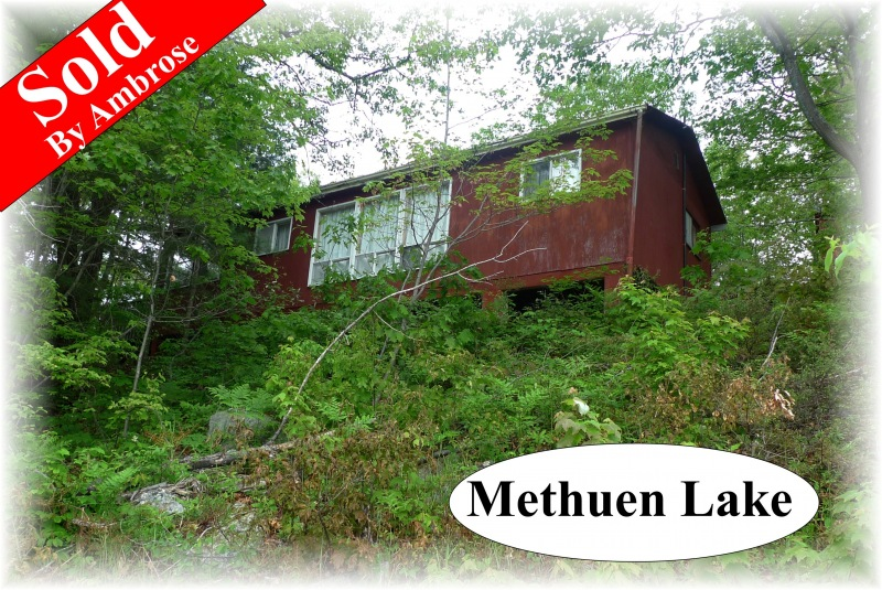 556 fr 84, Apsley Ontario, Canada Located on Methuen Lake