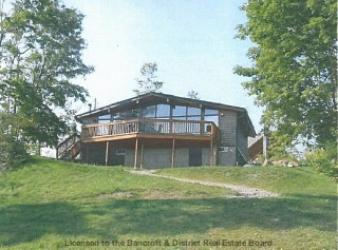 565 skene rd, Lake Township Ontario, Canada Located on Dickey Lake