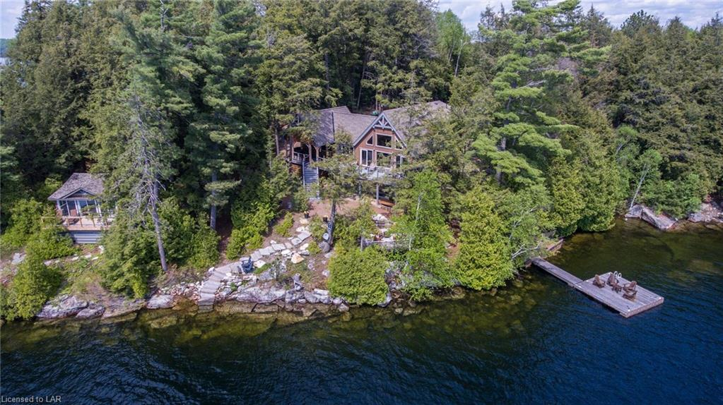 1075 elmhurst lane, Haliburton Ontario, Canada Located on Kennisis Lake