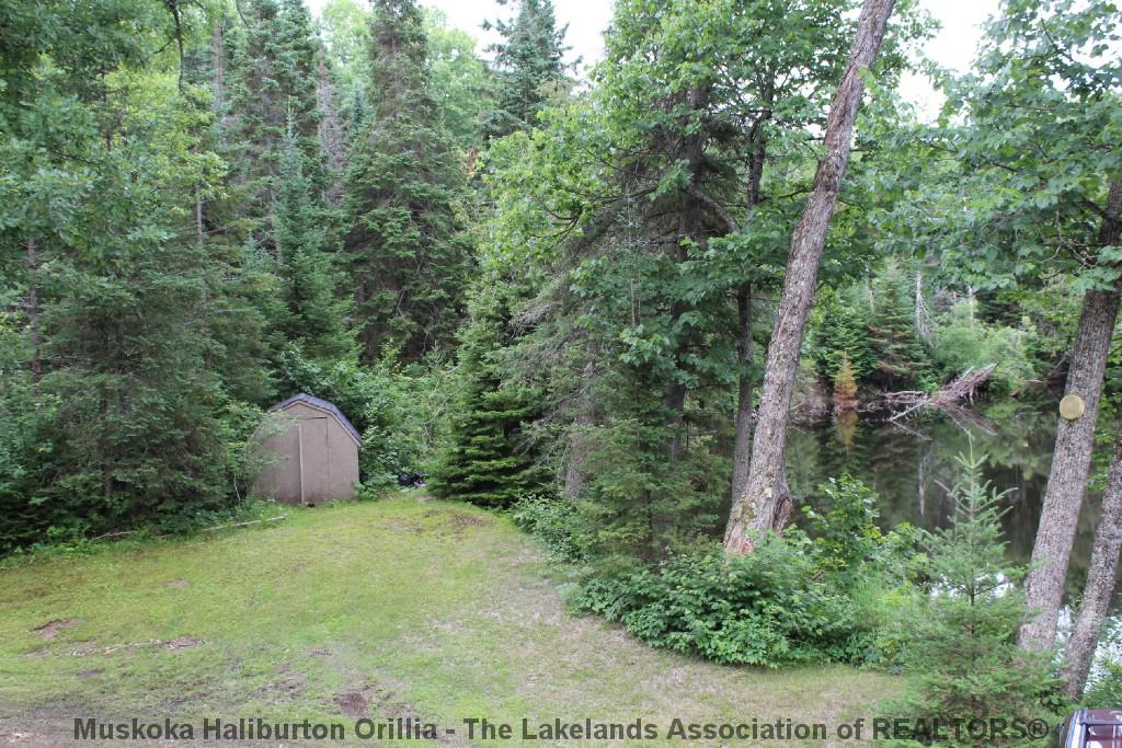 1139 Hobbits Lane, Irondale Ontario
