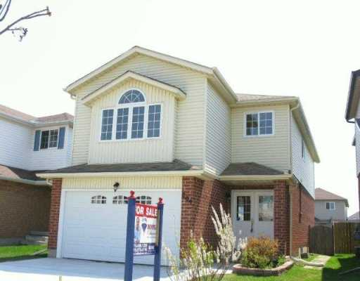 209 grey fox dr, Kitchener Ontario, Canada