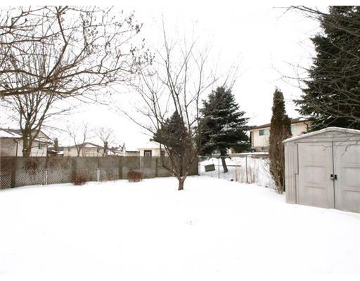 215 the country wa, Kitchener Ontario, Canada