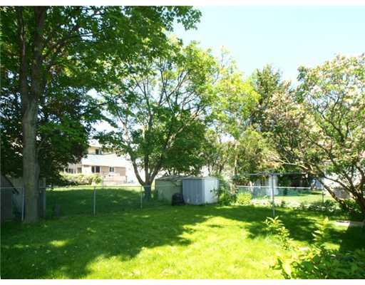 97 roberts cr, Kitchener Ontario, Canada