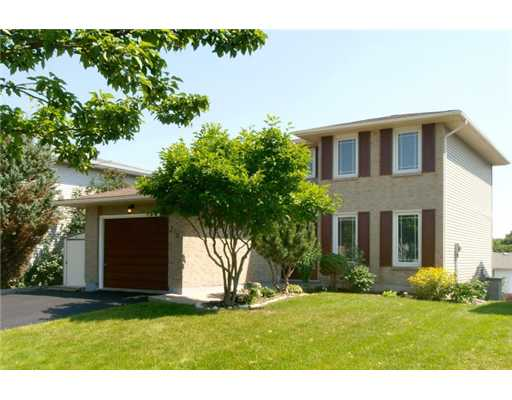 216 haldane ct, Waterloo Ontario, Canada