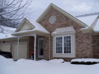 54 Auburn St 15, Peterborough Ontario Property Details