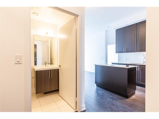 1604 85 Duke Street W, Kitchener Ontario