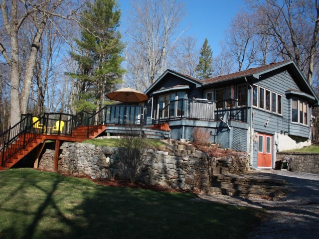 451 philrick dr, Buckhorn Ontario, Canada Located on Big Bald Lake
