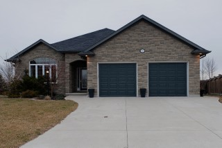 2874 BROOKRIDGE CRT, Sarnia, Ontario, Canada