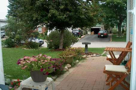 166 thoms cres, Newmarket Ontario, Canada