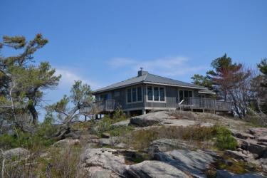 1 island 78c, Carling Ontario, Canada