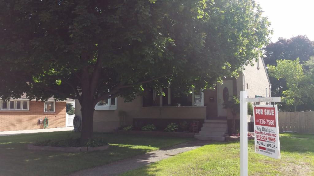 211 louisa st, Point Edward Ontario, Canada