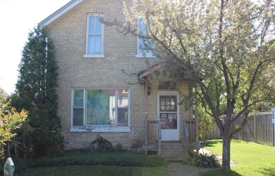 166 brock st south, Sarnia Ontario, Canada