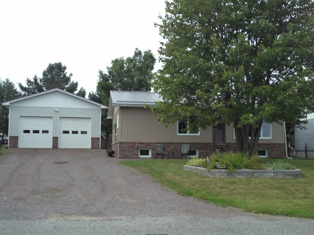 14 Leclaire St, Noelville Ontario