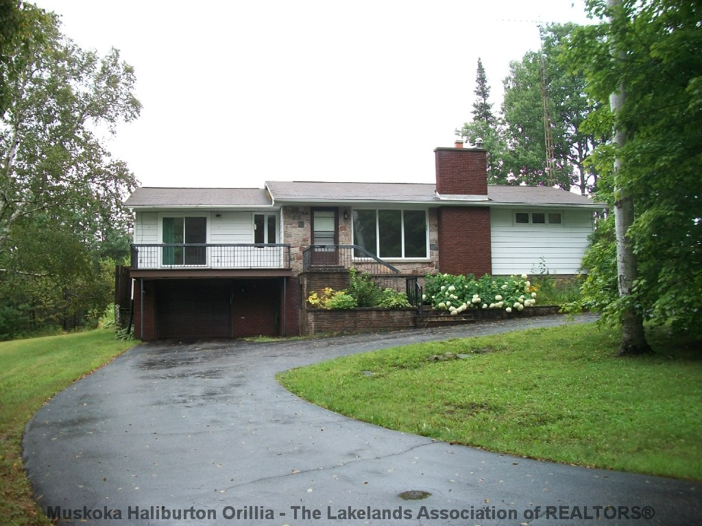 16 CONNOLLY ST, South River Ontario, Canada
