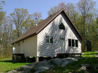 240 TOAD LAKE, Port Loring Ontario, Canada Located on Toad Lake