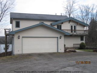 275 PINE GROVE RD, Port Loring Ontario, Canada Located on Toad Lake