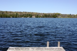 233 MEADOWLAND RD, Arnstein Ontario, Canada Located on Hampel Lake