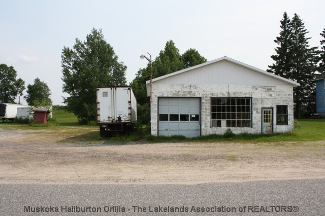 67 hawthorne dr, Restoule Ontario, Canada