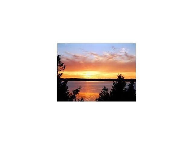 l12 sunset boulevard, Wiarton Ontario, Canada