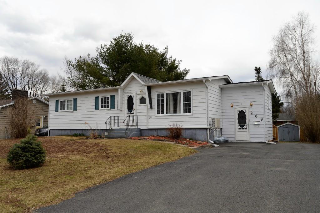 269 BARTON CRES, Fredericton, New Brunswick, Canada