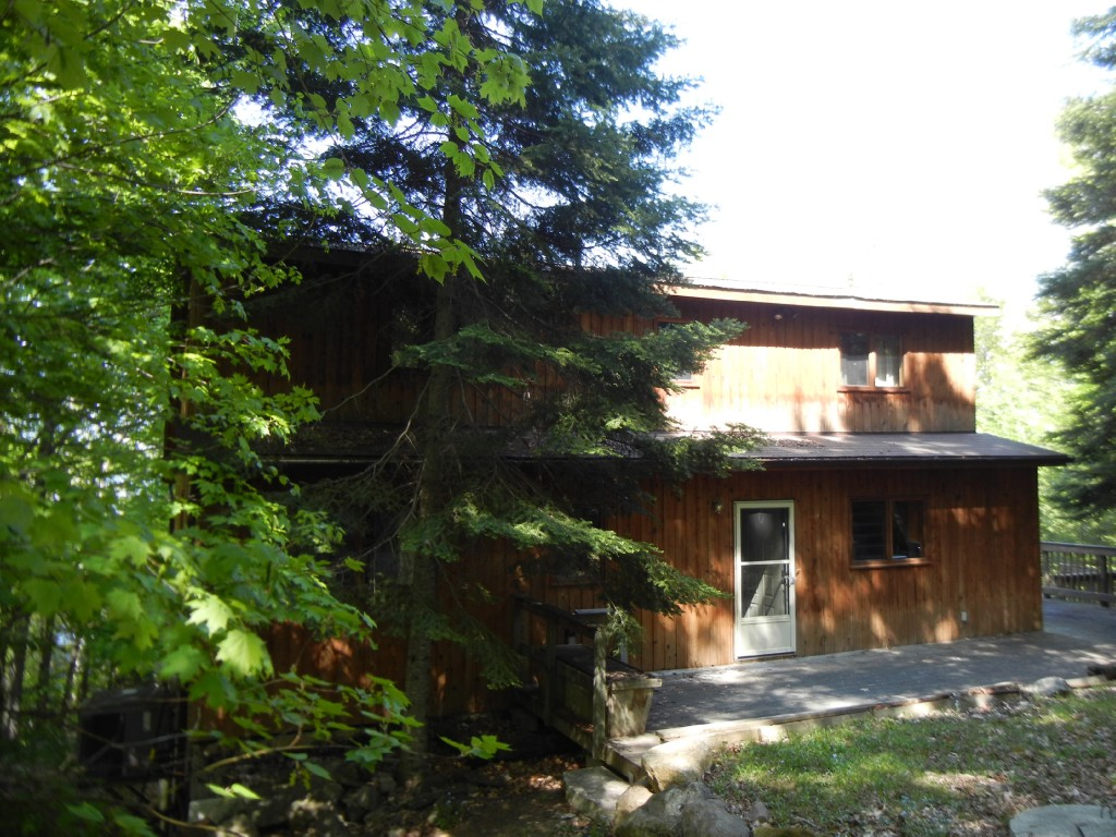 419 ANTELOPE TRAIL, North Kawartha Ontario, Canada