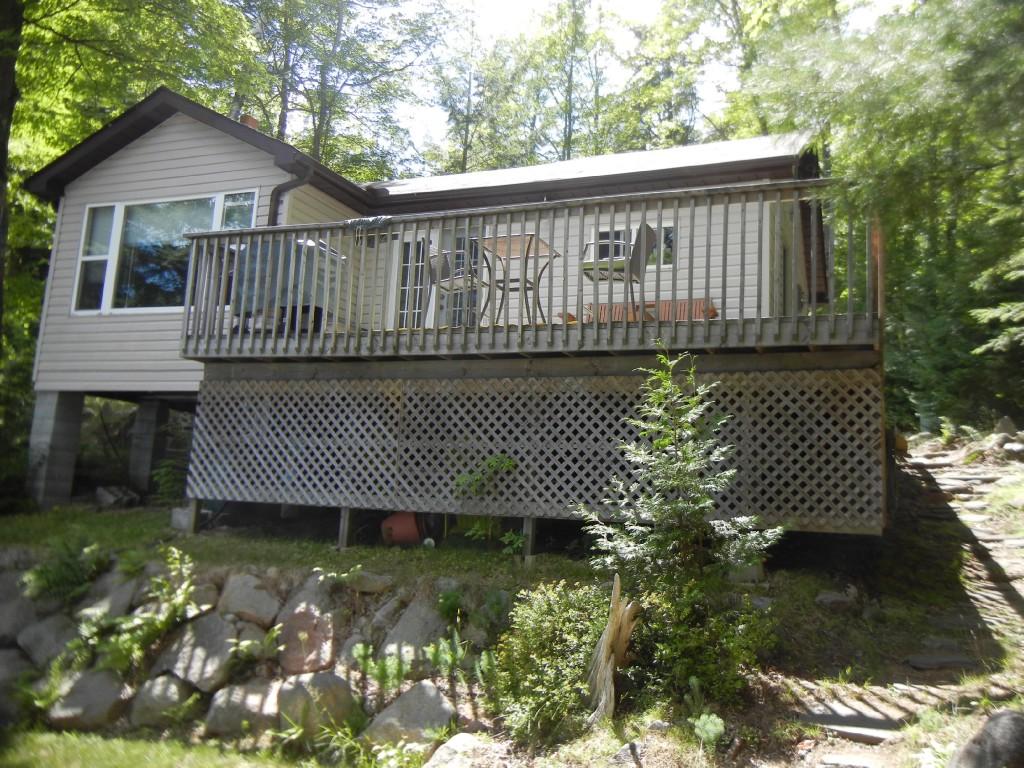 517 RENWICK RD, North Kawartha Ontario, Canada