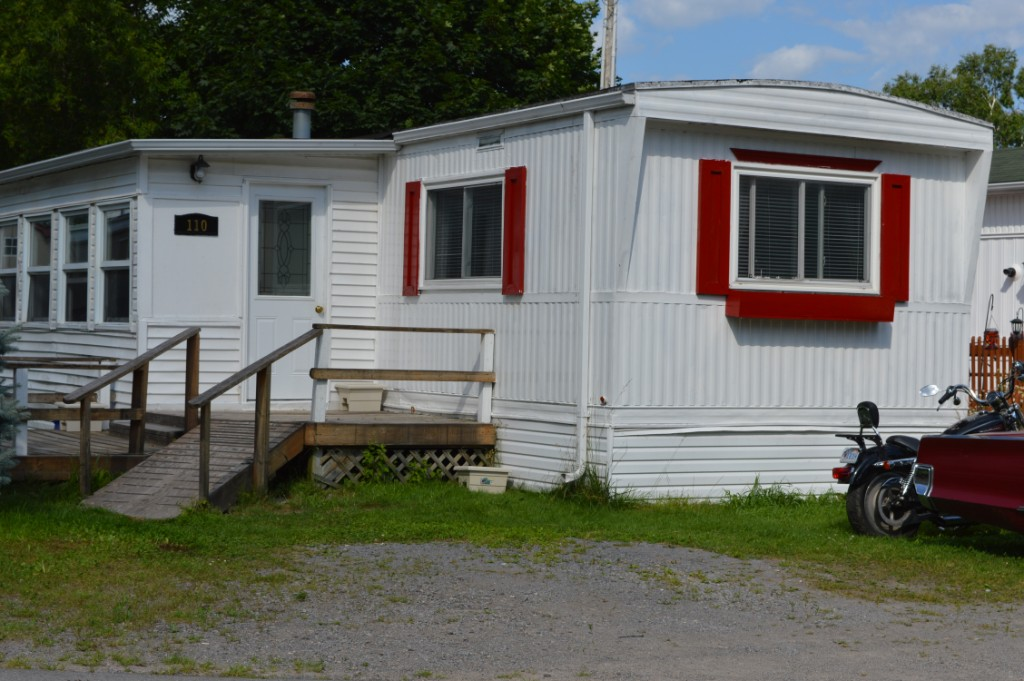 63 whites (sidney) rd  110, Quinte West Ontario, Canada