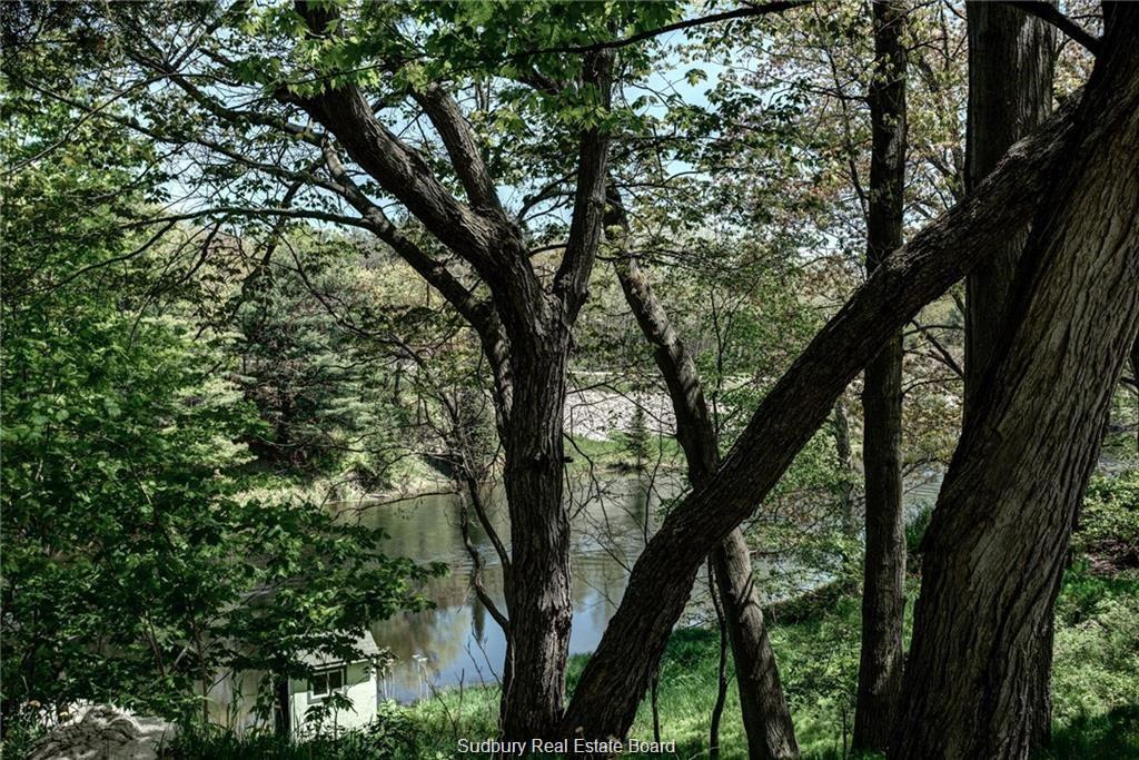 1159 Main Street, Whitefish Falls, Ontario (ID 2081824)