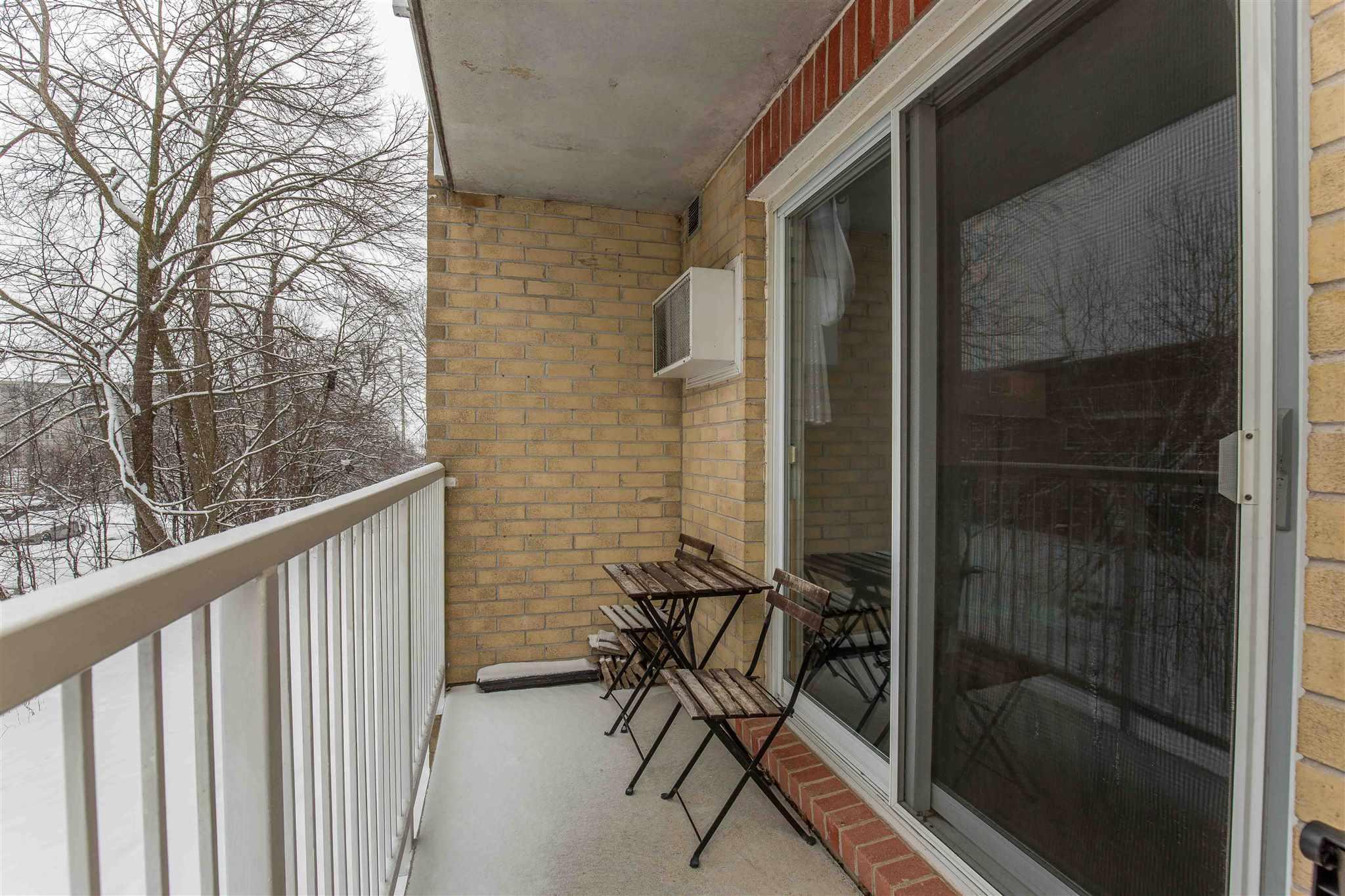Unit# 205 316 Kingsdale, Kingston, Ontario (ID K21000520)