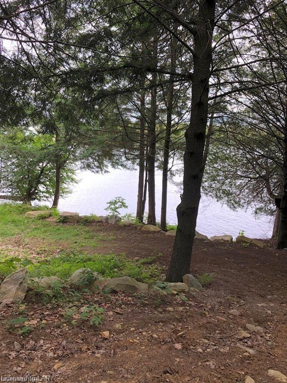 - PINEVIEW Court, Haliburton, Ontario (ID 239973)