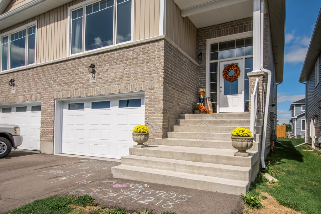 123 DR. RICHARD JAMES Crescent, Amherstview, Ontario (ID K20005363)